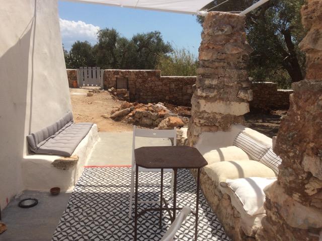 Bellissimo antico casale con trullo panoramico - Divano in muratura ...